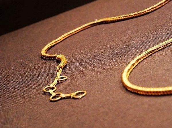 mơ thấy dây chuyền vàng