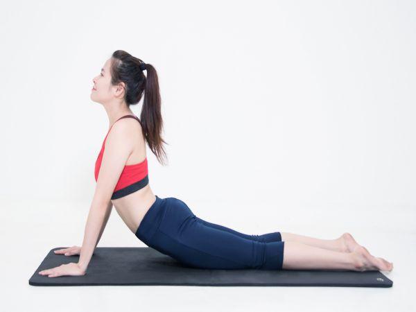 Bài tập kéo giãn cơ bắp nên thực hiện khi phải làm việc tại nhà