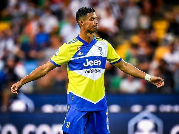 Tin bóng đá 25/8: Ronaldo giá cực rẻ, chỉ 29 triệu euro