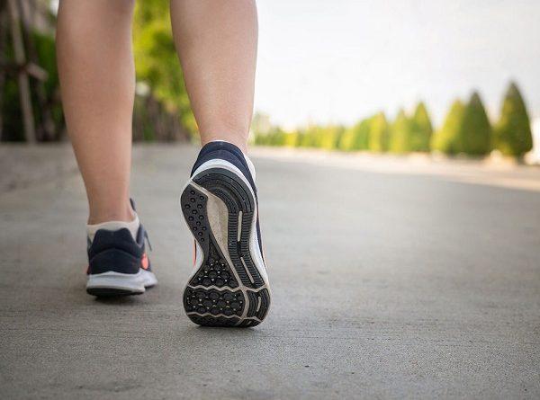 Lợi ích của việc đi bộ đối với sức khỏe cho cả nam và nữ